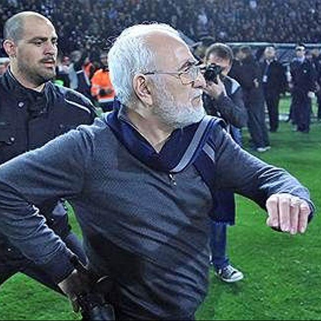 Аргументом в футбольном матче стал пистолет. О  скандале вокруг владельца клуба ПАОК Ивана Саввиди