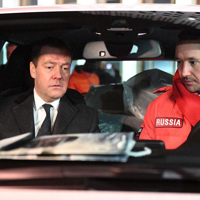 Медведев преподнес олимпийцам роскошные подарки