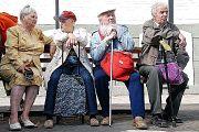 Правительство определилось с повышением пенсионного возраста, а Крым остался без света