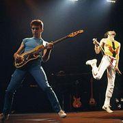John Deacon, бас-гитарист группы Queen