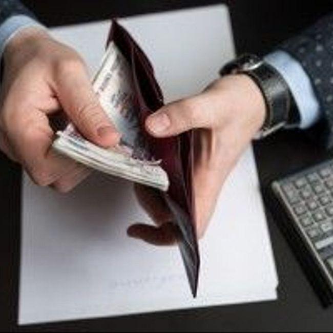 Свободные деньги: пропить или проинвестировать?