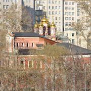Москва таинственная: за что в средние века убивали жильцов на Берсеневке и как «Дом на набережной» спас... храм