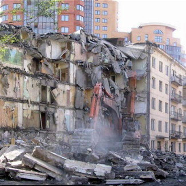 Реновация - это ширма для аферы. Михаил Веллер объясняет смысл сноса домов
