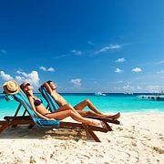 Где уже весной вполне комфортный пляжный отдых.