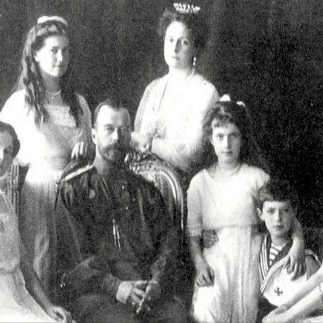 100 лет назад Николай II отрекся от престола. Правильное ли это было решение?