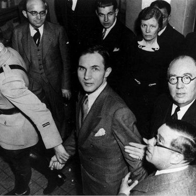 Суд над Бруно Гауптманом пообвинению впохищении иубийстве сына летчика Чарльза Линдберга, США, 1935