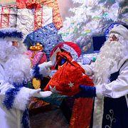 Почему детям-сиротам нельзя дарить новогодние подарки