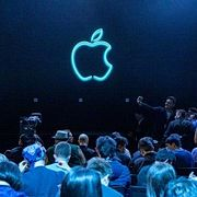 Презентация Apple и как Тесла до Киева доведёт.