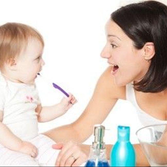 Уход за молочными зубками малыша