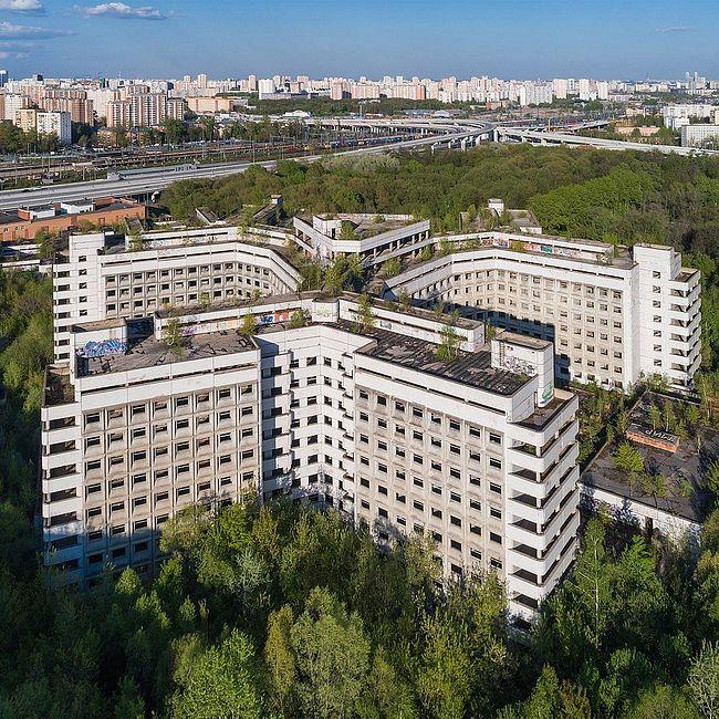 Брежневский долгострой. История заброшенной Ховринской больницы