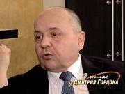 Суворов: Сталин навел ствол на бурно смеющийся зал, а потом едва ли не весь этот съезд порешил