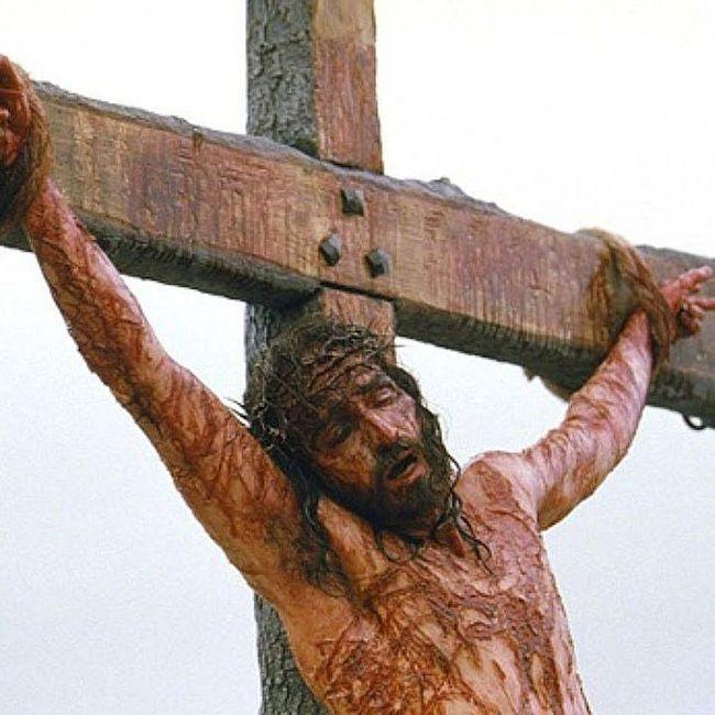 Помолитесь сегодня за Христа распятого...