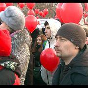 Ройзман вывел людей на улицы, дело на 2,5 млрд, путь кокаина в посольство | ИТОГИ ДНЯ | 02.04.18