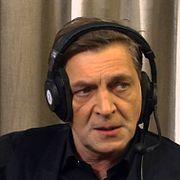 Александр Невзоров: Они не знают, чем это кончается? Чего их так на фонари тянет?