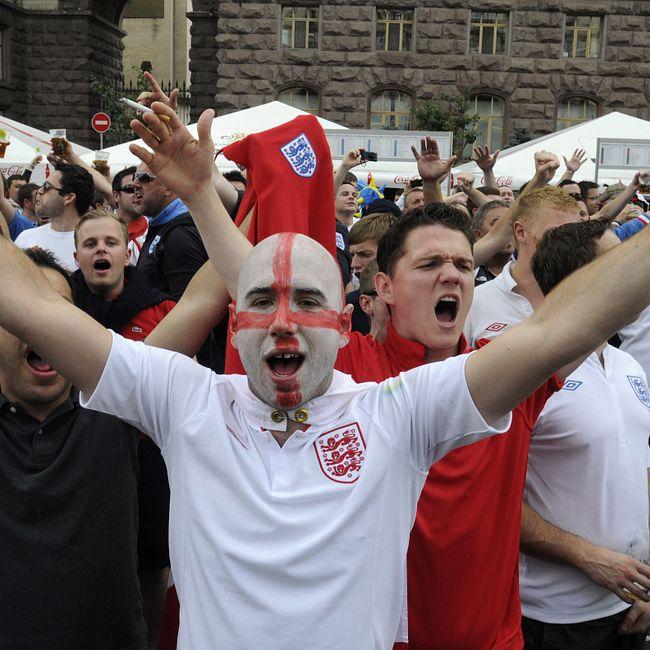 Английские футбольные хулиганы испугались русских