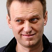 Навальный подаёт в суд на Путина