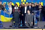 Тема дня : Дебаты Зеленского и Порошенко: батл штампов и стояние на коленях