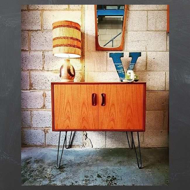 678. The Vintage Furniture Trade in London (with Howard Roach)