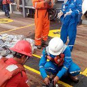 Пассажир индонезийского самолета чудом остался жив