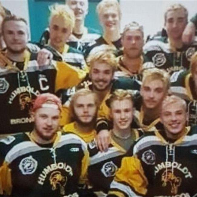 Погибшего в автокатастрофе хоккеиста перепутали с живым