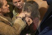 Следствие просит суд арестовать мать брошенной в квартире на севере Москвы девочки, а Минтруд назвал самые трудные профессии для трудоустройства